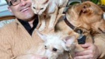 steve dale with dogs and cats